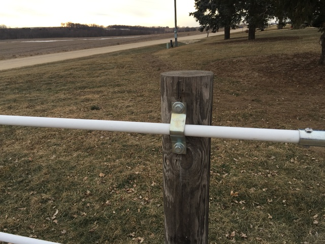 TJ\'s Fencing: Harper\'s Ferry, IA   Custom Manufacturing of Fencing